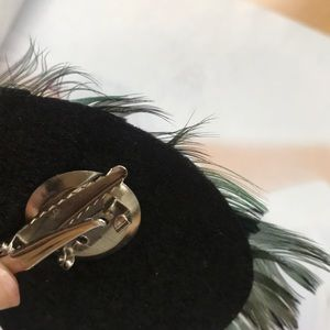 Accessories - GORG Peacock feather clip in Hair accessory. NWT